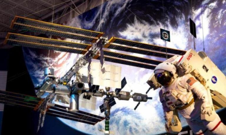 Niñas colombianas se dirigen a la Space Center de la Nasa