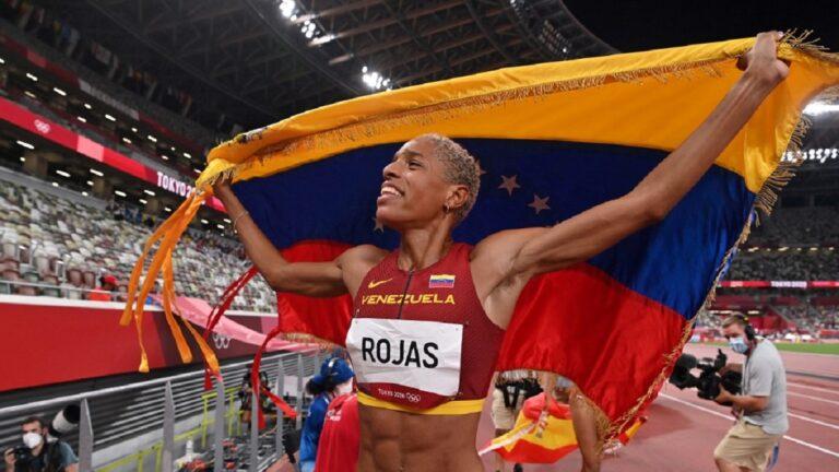 Yulimar Rojas rompe récord mundial en salto triple